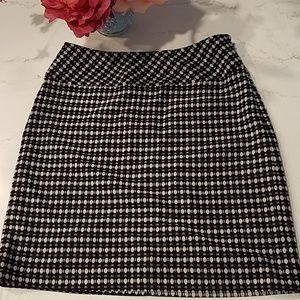 EYC Ann Taylor LOFT Black & White knit Skirt, 00P